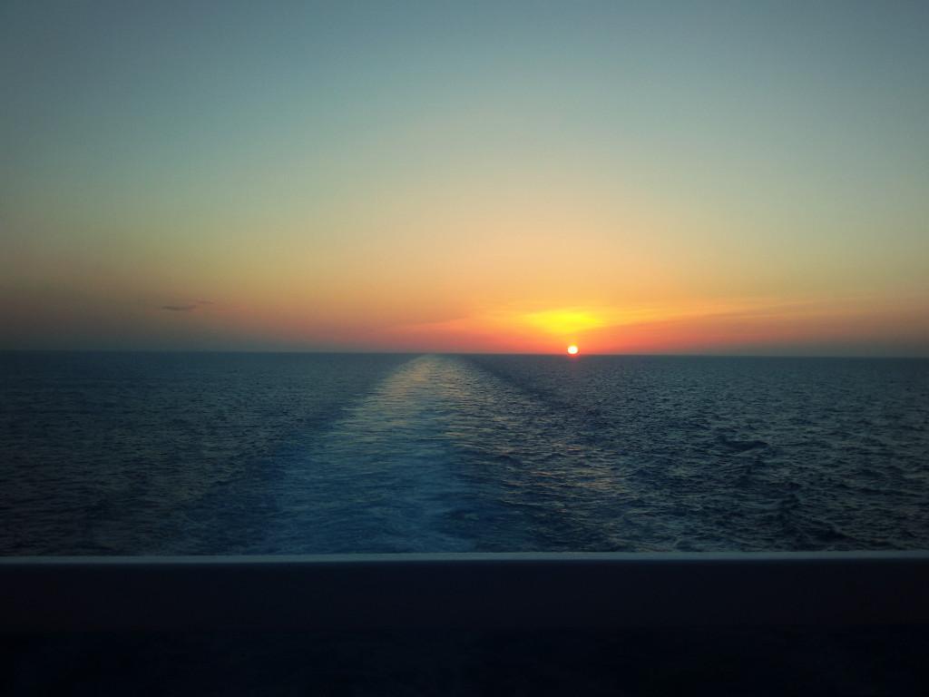 Zachód słońca ze statku
