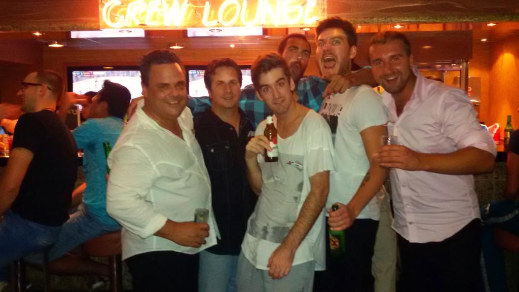Crew Bar